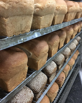 The bread before it is sliced and served to the many fans of its homemade taste.